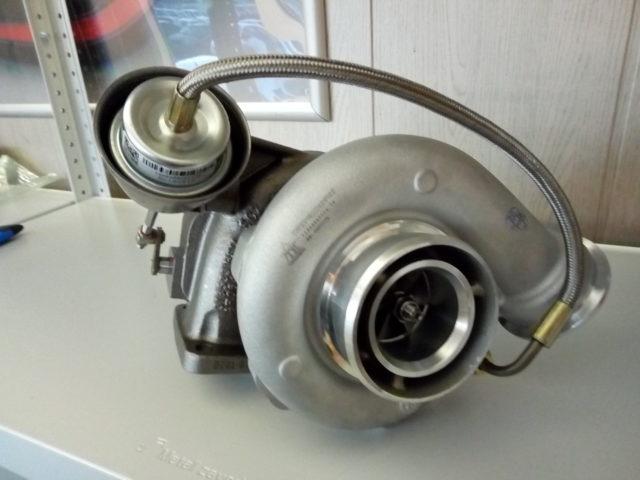 Турбокомпрессор НЕФАЗ 12589700010 (левый).